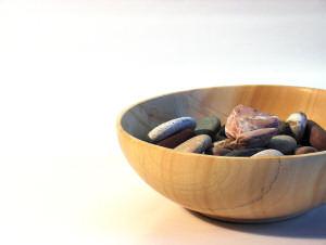 schale-mit-steinen